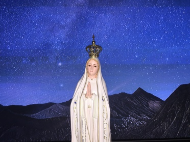 Mary in the field of stars
