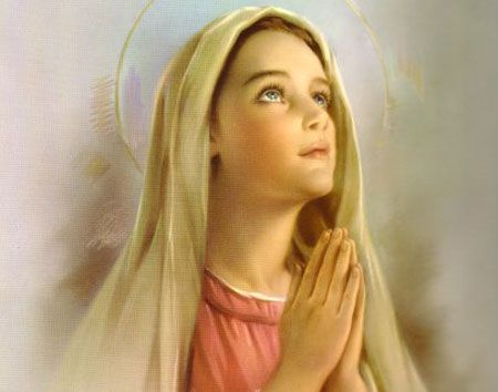 blessed-mother-mary-in prayer